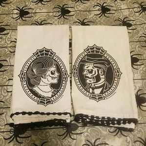 Sourpuss Skull Dish Towels