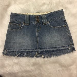 Abercrombie and Fitch Fringe Jean Skirt. Size 0