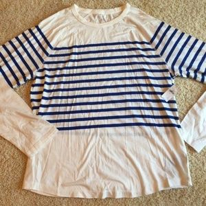 New With Tags Ladies GAP White / Blue Shirt XL NWT