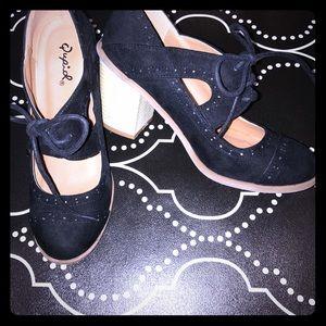 Qupid black sueded heel, sz 6.5