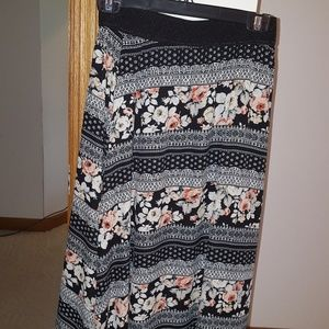 Lucy Skirt nwt