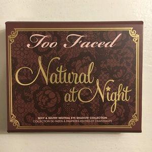 Too Faced - Natural at Night