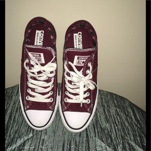 Like New Converse Low Top Sneaker Shoe