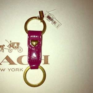 Coach F67432, 2 in 1 patent leather heart keychain