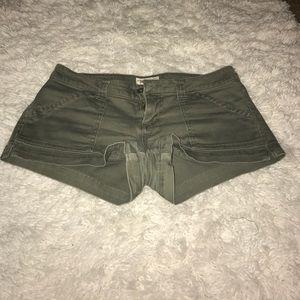 Pants - Jake jeans green shorts