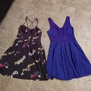 Lot of Two AMERICAN EAGLE Dresses size 2 small