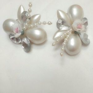 White Vintage Clip On Faux Pearl Beaded Cluster Fl