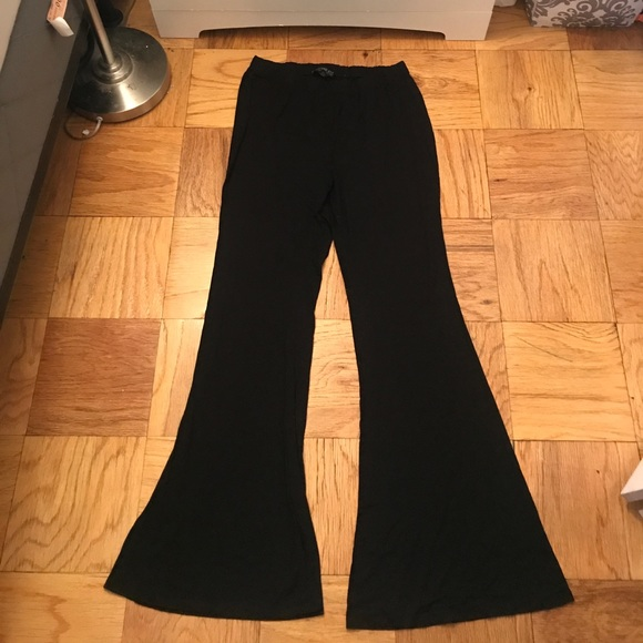 b98fce9b1c6 Forever 21 Pants - Black wide leg bell bottoms plus size