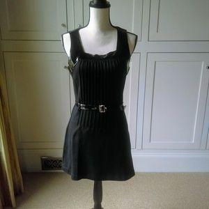 Kenar sleeveless black dress