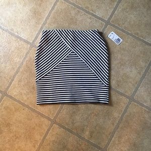 F21 skirt new withtags