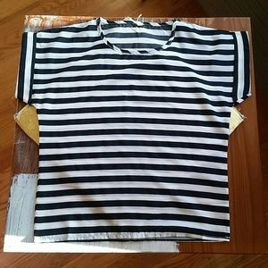 Tops - Striped short-sleeved blouse