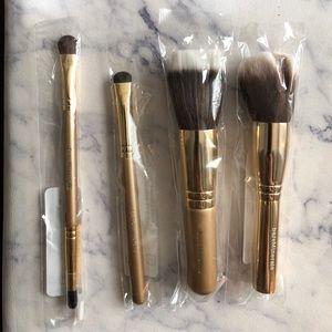 bareMinerals | Makeup Brush Bundle - NWP