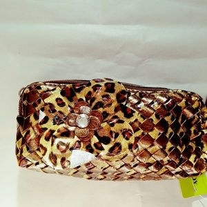 CLEARANCE. WRISTLET ! CLASSY GOLD CHEETAH STYLE