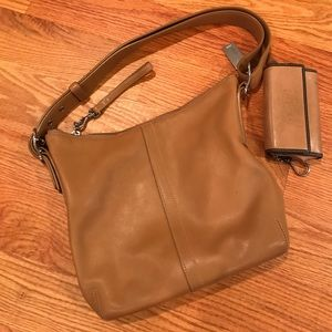 coach shoulder bag & free wallet