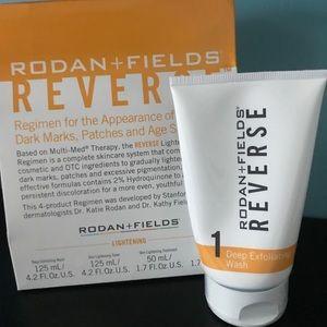 Rodan and fields Reverse deep exfoliating wash