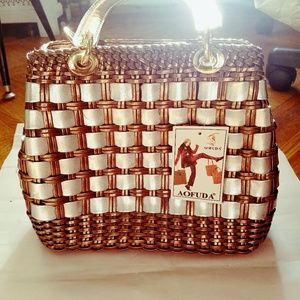 ADORABLE BASKET LIKE BAG !