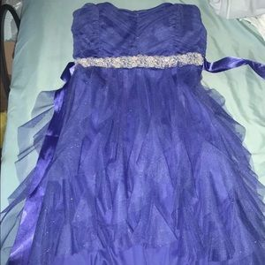 Short to long Blue frilly dress