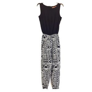 Pants - Black & white jumper