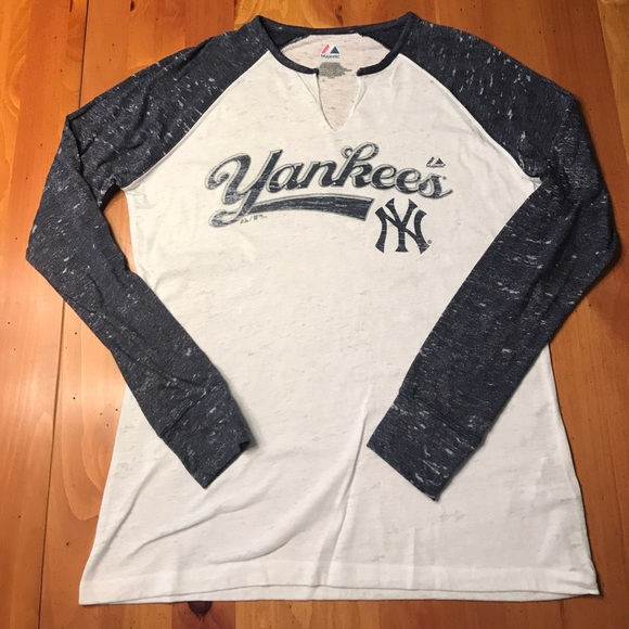 Majestic Tops - 🚨SALE Majestic Yankees Long-Sleeve Raglan Tee e11f39770a5