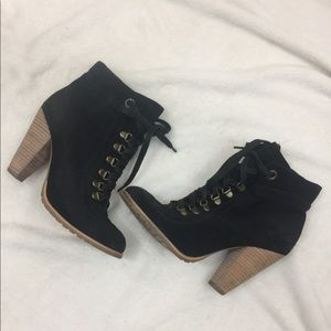 Seychelles black ankle lace up booties