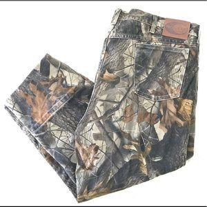Wrangler Pro Gear Pocket Camo Jean