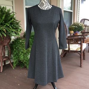 Uniqlo grey sz M Ponte flare 3/4 sleeve dress