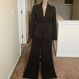 Sharagano atelier 2 piece pants suit