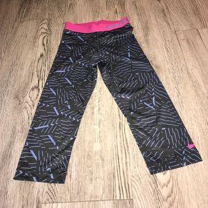 Nike pro women's capris