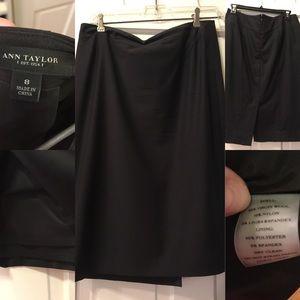 Ann Taylor Black Lightweight Wool Pencil Skirt 8