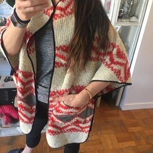 Zara VERY COOL AZTEC MEXICAN PONCHO STYLE SWEATER