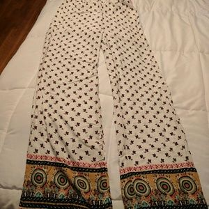 NWT! Awesome patterned pants with pockets.