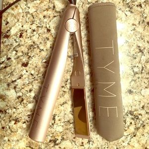 Tyme - 2 in 1 Curling Iron and Straightener.