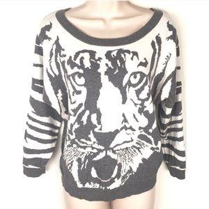 ❣BOGO 1/2 off❣🆕 Express tiger 3/4 sleeve sweater