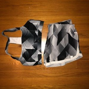 Gap Fit Patterned running shorts and matching bra