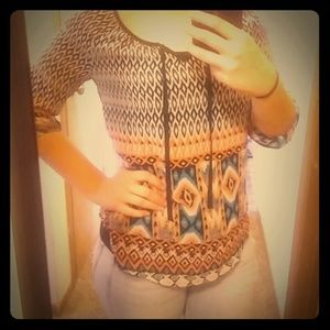 Patterned lace back top S
