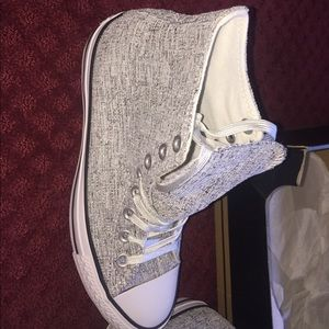 Sparkle Knit black and white converse . Size 8.5