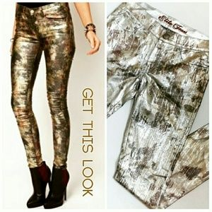 Camouflage Metallic Skinny Jeans NWOT
