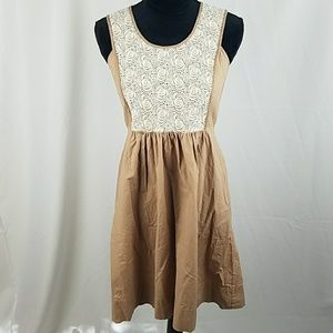 LiL Anthropologie women 4 brown cream floral lace