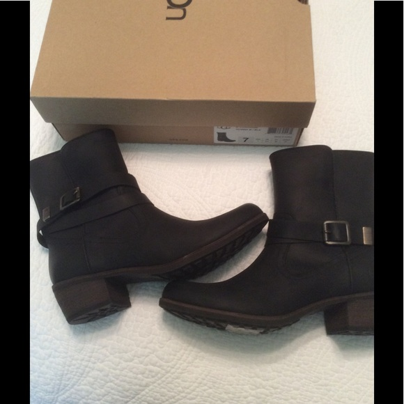 9053aa5f15c NWT Ugg Black Lorraine Boots NWT