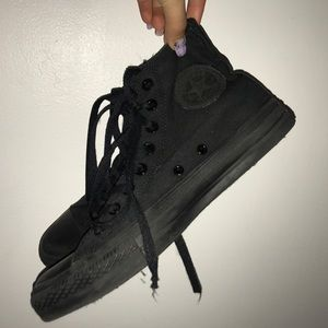 Authentic converse all black sneakers