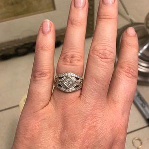 White gold diamond dinner ring