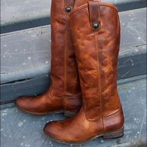 NEW!IN BOX! PRICE DROP. Frye Mellissa Button Boots