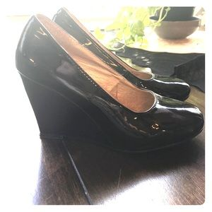Black Patent leather wedges