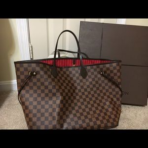 🚨Authentic Louis Vuitton GM Neverfull🚨