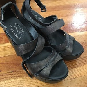 Kork-Ease Black/Metallic Wedges