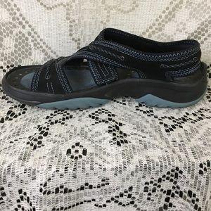 Privo by Clarks leather slip-on sandal sz 7.5M