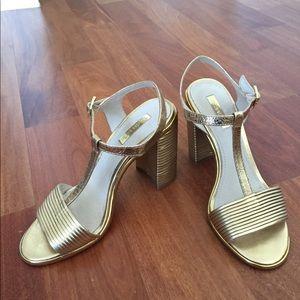 Louise et Cie: gorgeous gold sandals 6.5