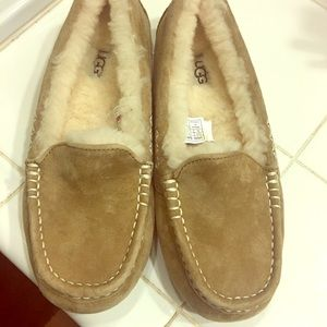 Uggs Slippers size 6
