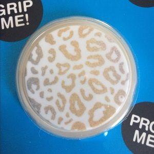 Leopard print popsocket