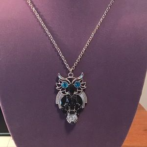 3 for $10 jewelry. Silver tone owl necklace
